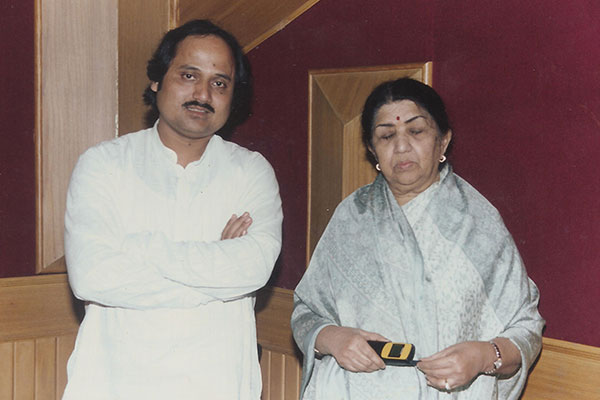 Ronumajumdar with lataji