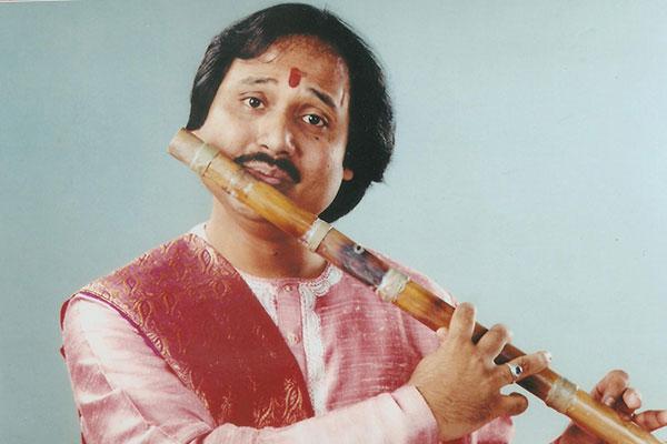 ronu majumdar best flute player