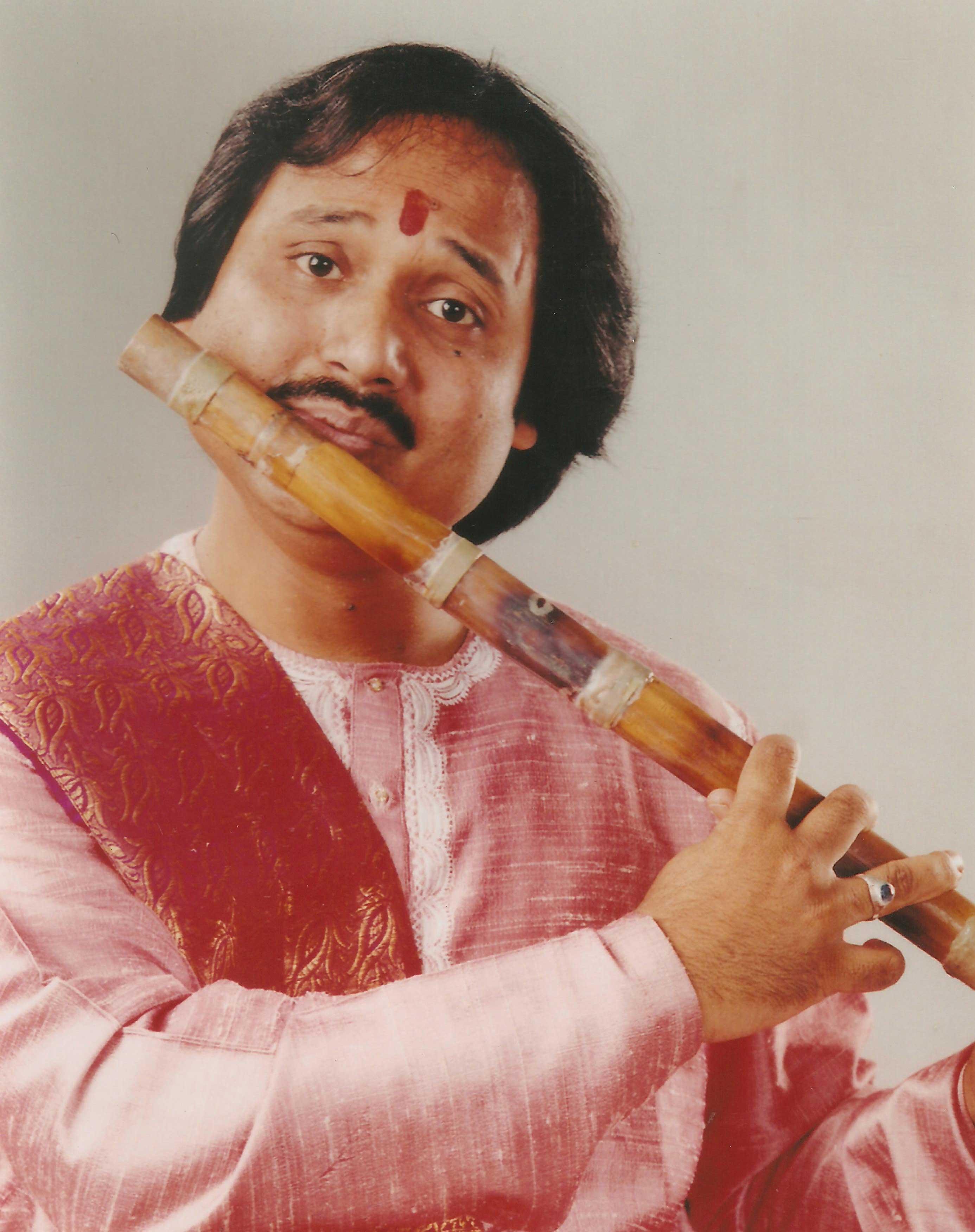 Ronu majumdar flutist