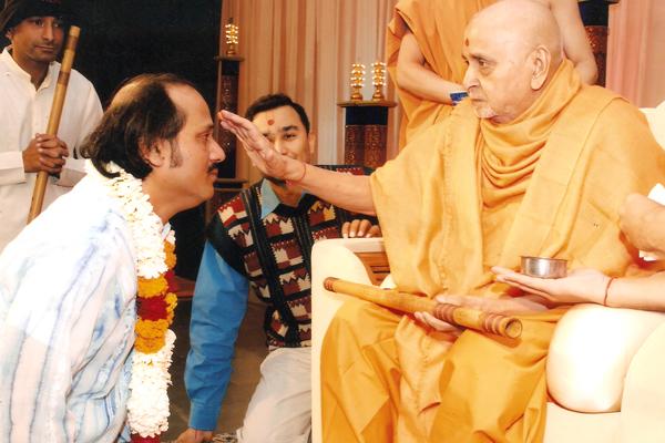 Ahmedabad Swami Narayan Temple Pramukh Swamiji